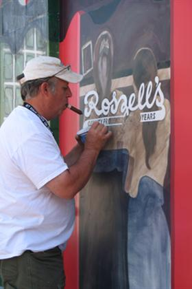 Bill Diaz Paints Mural