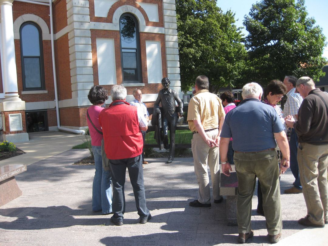 German Visitors at Lincoln Statue (1)
