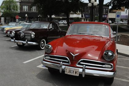 More Great Old Cars in Pontiac!