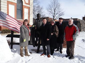 Illinois Officials meet at Lincoln Statue in Pontiac