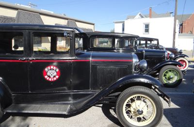 Model A Cars Make the Trip to Pontiac