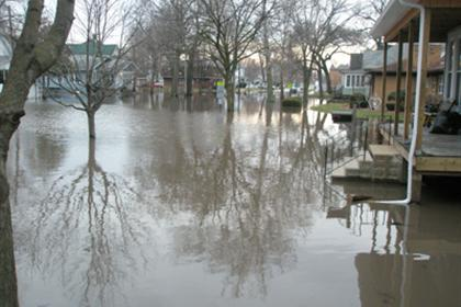 A Pontiac street flooded in 2008